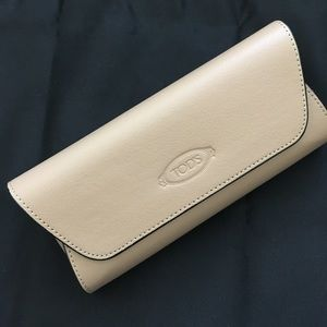 Tod's leather sunglasses case
